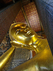 Giant Reclining Buddha - Wat Pho Temple