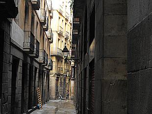 narrow Barcelona