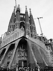 Sagrada Familia... still under construction