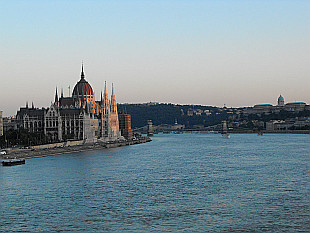 Parliament and the river Danube from Margarit Bridge
