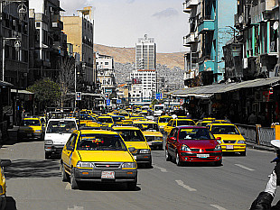 yellow avalanche - taxis in Damascus