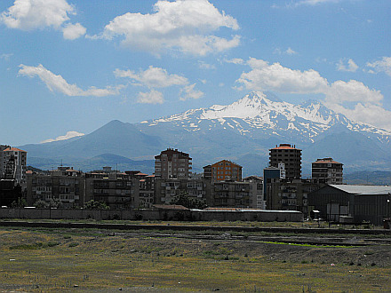 Central Anatolia - Kayseri and the volcano Erciyes Dagi (3916m)