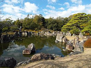 well kept gardens in Nijo Castle