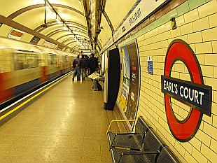 London Underground - Earl's Court Station