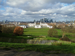 Greenwich Park, Canary Wharf in the back, left back City