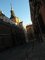 in the old lanes... Iglesia del Sacramento