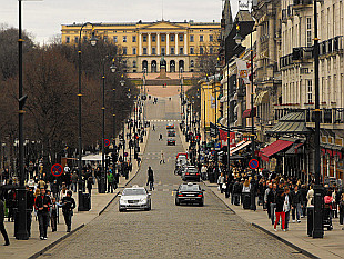Karl Johanns Gate and Royal Palace (Slottet)