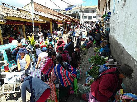 street market in Cuzco