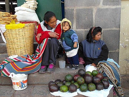 scene from Cuzco market