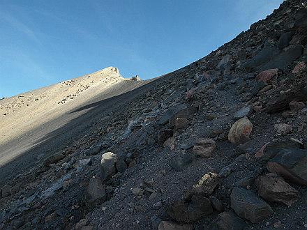 at 5600m, summit finally at sight