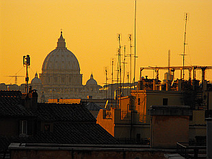 another day ends above Vatican