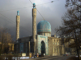 nice mosque near Gorkovskaya subway station