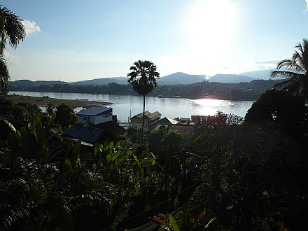 looking from Houay Xai over the Mekong River to Thailand