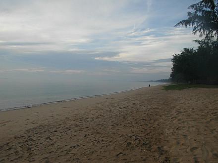 Bang Saphan beach